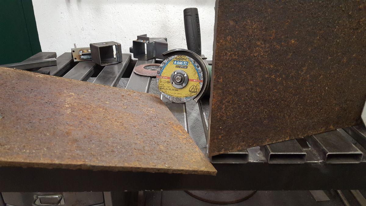 autogen-schweissbrenner-gasflaschen-wagen-traenenblech-schneiden-trennscheibe-ac11d7cd.jpeg