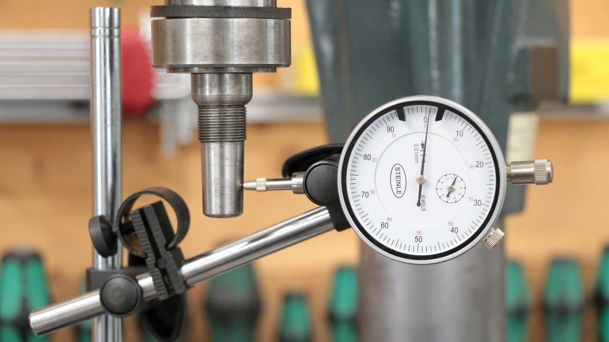 flott-tb10-reparatur-bohrmaschine-spindel-messuhr-0c8002aa.jpeg