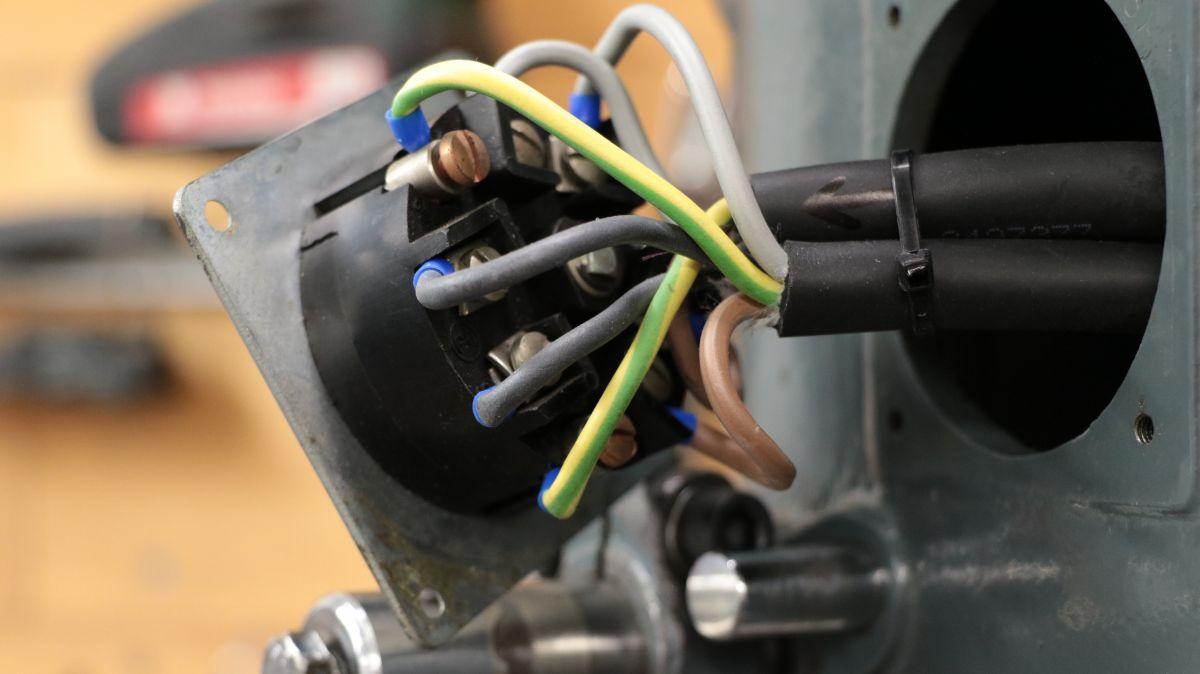 flott-tb10-reparatur-motor-schalter-neue-leitungen-d5475639.jpeg