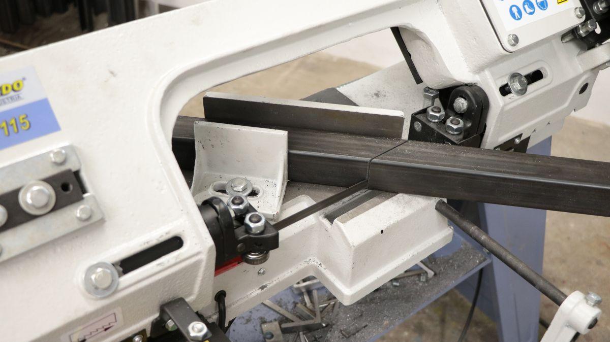 hoehenverstellbarer-schweissgeraetewagen-vierkantrohr-bandsaege-988ebb23.jpeg