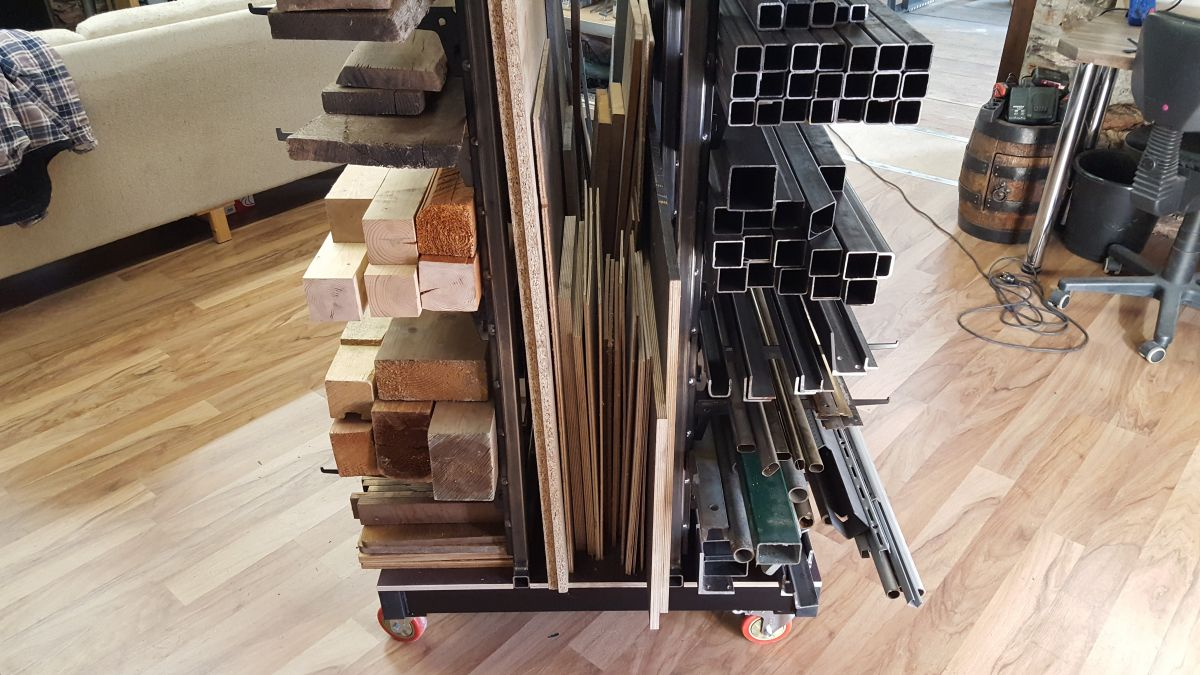 mobiles-materiallager-fuer-holz-metall-werkstatt-materiallager-holz-metall-a7c73e19.jpeg