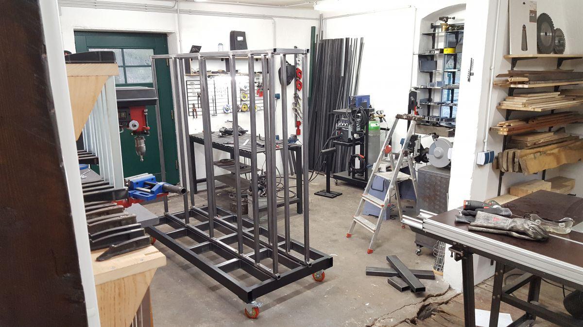 mobiles-materiallager-fuer-holz-metall-werkstatt-rahmen-zarge-67570ca2.jpeg