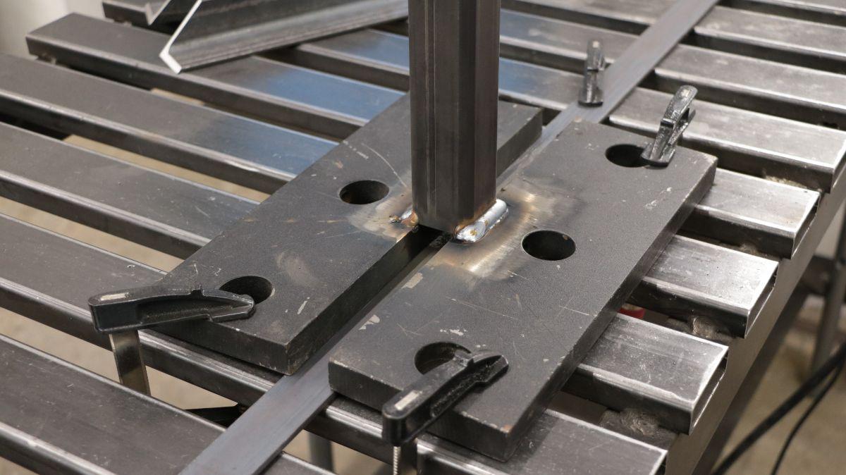 rollenbock-fuer-metallbandsaege-selbstbauen-bodenplatten-und-rohr-schweissen-f4bd4268.jpeg