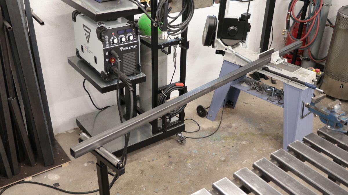 rollenbock-fuer-metallbandsaege-selbstbauen-rollenbock-metallbandsaege-0b64242d.jpeg