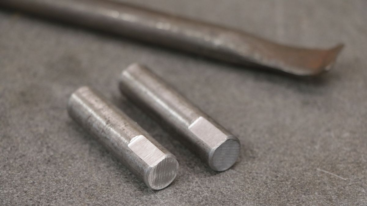 rollenbock-fuer-metallbandsaege-selbstbauen-stahlbolzen-3b9b69bb.jpeg
